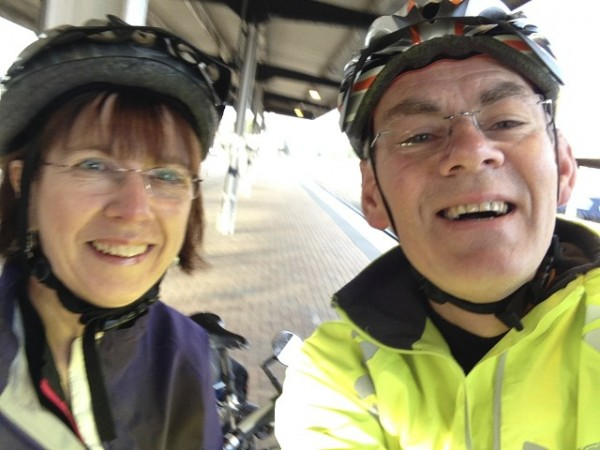 Barrie and Joan setting off on their cycle ride